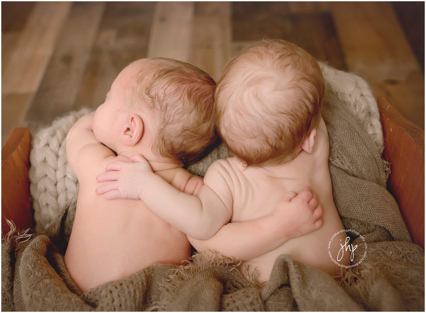Twin newborn photography session in Aledo