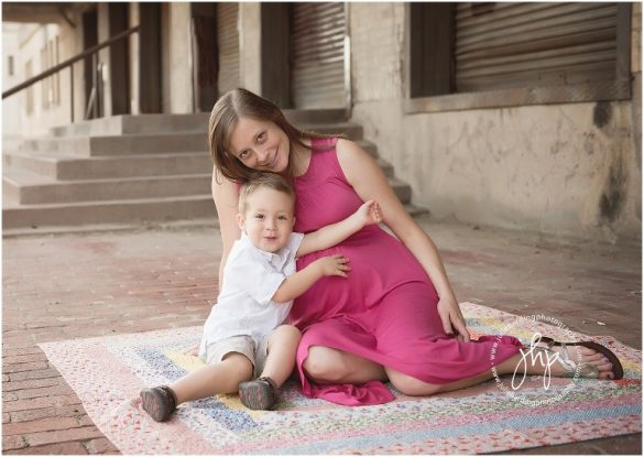 fort_worth_maternity_outdoor_session_modern_museum_ulie_harding_photography0328pp_w768_h54529.jpg