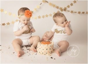 one year birthday cake smash session julie harding photography fort worth1028pp w768 h56429 300x220 - one_year_birthday_cake_smash_session_julie_harding_photography_fort_worth1028pp_w768_h56429.jpg