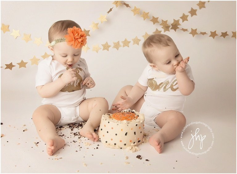 one_year_birthday_cake_smash_session_julie_harding_photography_fort_worth1028pp_w768_h56429.jpg