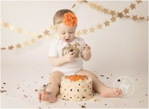 one year birthday cake smash session julie harding photography fort worth1128pp w768 h56429 300x220 - one_year_birthday_cake_smash_session_julie_harding_photography_fort_worth1128pp_w768_h56429.jpg
