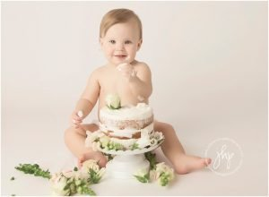 one year birthday cake smash session julie harding photography fort worth1728pp w768 h56429 300x220 - one_year_birthday_cake_smash_session_julie_harding_photography_fort_worth1728pp_w768_h56429.jpg