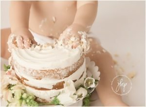 one year birthday cake smash session julie harding photography fort worth1828pp w768 h56429 300x220 - one_year_birthday_cake_smash_session_julie_harding_photography_fort_worth1828pp_w768_h56429.jpg