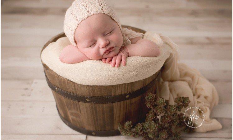 Studio Newborn photosession in Fort Worth 2 750x450 - Studio Newborn Photo Session Fort Worth, Anastasia
