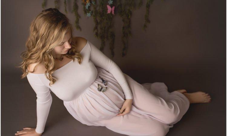 Haleys rainbow baby maternity session